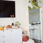 8 fall apartment decor ideas