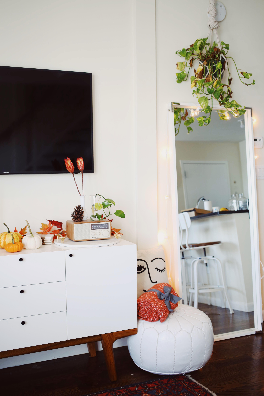 8 Fall Apartment Decor Ideas